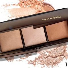 We love this palette from @HourglassCosmetics featuring 3 shades of Ambient Lighting Powder that capture, diffuse, and soften the way light reflects on...