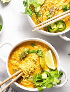 These Vegan Curry Ramen Noodles loaded with fresh veggies and rich curry flavors, you'll feel good about serving this meal to your family! Only 20 minutes is to make this healthy curry ramen noodle dinner on the table! Ramen Noodle Recipes, Ramen Noodles, Easy Vegan Curry, Curry Ramen, Chicken Spaghetti Squash, Baked Yams, Food Preparation, New Recipes, Dinner