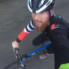 Thank good it's fri....... ahhhh fck earlybird! Keep calm and bike! #earlybird #earlybirdbikeride #cannondale #caad #caad3 #fatty
