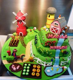 farm cake~~~I know people who play this game and it would be good for them! Barnyard Party, Farm Party, Fancy Cakes, Cute Cakes, Fondant Cakes, Cupcake Cakes, Farm Birthday Cakes, Farm Animal Cakes, Farm Cake