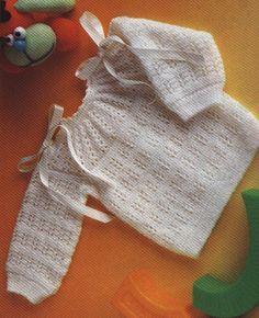 Avec tuto Beau modèle, mais sans les rubans Jersey de bebé en punto fantasía :: Cómo tejer un jersey para bebé a dos agujas Baby Knitting Patterns, Knitting For Kids, Baby Patterns, Hand Knitting, Crochet Patterns, Knit Baby Sweaters, Knitted Baby Clothes, Pull Bebe, Baby Sewing
