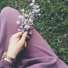 New plants flowers photography cactus Ideas Hijab Niqab, Muslim Hijab, Hijab Style, Hijab Chic, Hijabi Girl, Girl Hijab, Muslim Girls, Muslim Women, Muslim Fashion