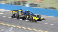 Driverless Roborace car crashes at speed in Buenos Aires                   Image copyright                  Roborace              Image caption                                      The red Devbot 1 completed the race but the yellow Devbot 2 crashed  A landmark race between two driverless electric cars has ended badly for one of the contestants.  The unfortunate Devbot vehicle crashed out of the Roborace competition after misjudging a corner while travelling at high speed.  The incident…