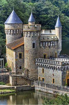 Castle House, Castle Ruins, Medieval Castle, Beautiful Castles, Beautiful Buildings, Beautiful Places, Places Around The World, Around The Worlds, Fantasy Castle