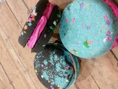 10oz whoopie pie bath bomb. Looks and reacts to your bath beautifully scented, gently adding color and fun to your bath time. Come in a variety of