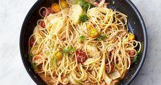 Jamie Oliver's recipe for Crab and Fennel Spaghetti, as seen on his Channel 4 series, Quick & Easy Food, creates a flavourful pasta dish using only 5 ingredients. Lasagne Recipes, Savoury Recipes, Roast Recipes, Seafood Recipes, Chicken Recipes, Fennel Gratin, Nigella Lawson, Sunday Roast, Chicken Tikka