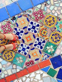Mexican Tile Floor Types For Your Home Decor - Mexican Pattern, Mexican Home Decor, Mexican Designs, Mexican Interior Design, The Design Files, Mexican Style, Mosaic Art, Mosaic Tiles, Cement Tiles