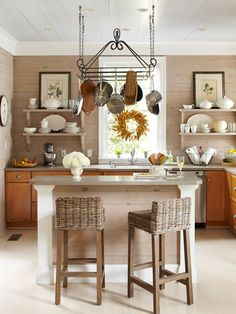 Open Shelving Kitchens - The Cottage Market hanging pots and pans Country Kitchen, New Kitchen, Kitchen Dining, Kitchen Decor, Kitchen Small, Kitchen Layout, Stylish Kitchen, Kitchen Ideas, Kitchen Wood
