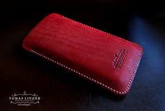 pouzdro pro telefon z červené kůže