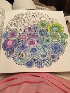 Desenho colorido pela leitora Susana Sousa | Livros de #Colorir #Arte-terapia