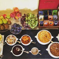 #hotelpironi #goodmorning #gutenmorgen #breakfast #breakfasttime #hotelbreakfast #holidaytime #holidaymood #vegan #veganbreakfast #vegetarian #vegetarianfood #fruit #vacanze #urlaub #obst