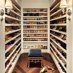 Who wouldn't want this amazing shoe closet? I know I would! #wwstampa #shoes