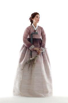 Korean Hanbok, Korean Dress, Korean Outfits, Korean Traditional Dress, Traditional Fashion, Traditional Dresses, Oriental Dress, Oriental Fashion, T Dress