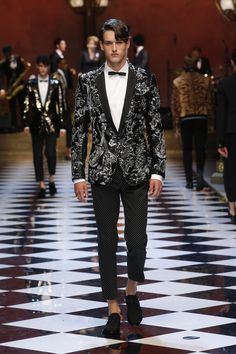 Dolce&Gabbana Summer 2017 Men's Fashion Show.  www.dolcegabbana.com