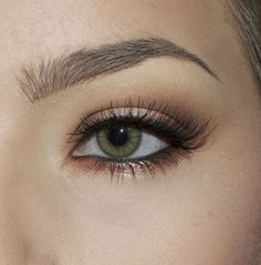 Neutral fall eye look using the KVD Monarch palette
