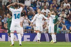 Banh 88 Trang Tổng Hợp Nhận Định & Soi Kèo Nhà Cái - Banh88.infoTin Tuc Bong Da -  Real vừa nhận thất bại đầy đau đớn trên sân nhà Bernabeu điều đáng nói là trận thua này đã chấm dứt chuỗi 73 trận bất bại của thầy trò Zidane.  Trong trận đấu đầu tiên Cristiano Ronaldo tái xuất ở La Liga 2017/18 Real đã phải nhận thất bại ngay trên sân nhà Bernabeu tại vòng 5 La Liga.  Trận thua trước Betis lột tả sự bế tắc trên hàng công và sự hớ hênh nơi hàng phòng ngự của kền kền trắng. Lần lượt những ngôi…