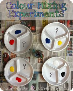 Using divided plates for color mixing experiments Winegums and Watermelons: Fun colour mixing experiments Preschool Colors, Preschool Science, Preschool Learning, Science For Kids, Teaching Art, Art For Kids, Preschool Crafts, Nursery Activities, Color Activities