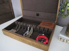 Old Silverware Box = New Jewelry Box >> http://www.diynetwork.com/bathroom/small-bathroom-storage-solutions/pictures/index.html?soc=pinterest#