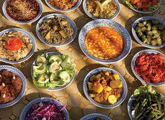 Riad Almoulouk Marrakesch - My Marrakech Moroccan Salad, Moroccan Style, Riad, Eastern Cuisine, Tasty, Yummy Food, World Recipes, Restaurant Bar, Food And Drink