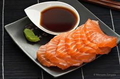 Dee Dee's Thai & Sushi enjoy Delicious Sashimi in Thai & Sushi Food Restaurant and also enjoy Hot and Spicy Thai Red Curry at Hollywood Japanese Sushi, Japanese Snacks, Japanese Desserts, Sushi Recipes, Seafood Recipes, Ponzu Recipe, Pyjama-party Essen, B Food, Sushi Food