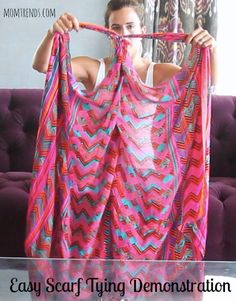 Scarf Tying Demo: Turn Your Scarf Into a Top or Vest Stella & Dot scarfs are the best! Look Fashion, Diy Fashion, Fashion Tips, Scarf Vest, Scarf Top, Diy Scarf, Mode Hippie, How To Wear Scarves, Turbans