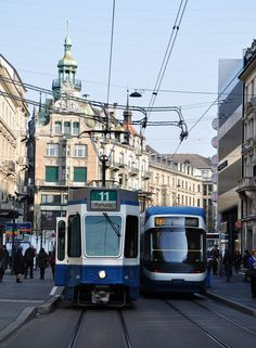Reisetipps und Shoppingtipps für Zürich und 5 Tipps um in Zürich Geld zu sparen Beautiful World, Beautiful Places, Light Rail, Prague, Trip Planning, Switzerland, Travel Inspiration, Around The Worlds, Street View