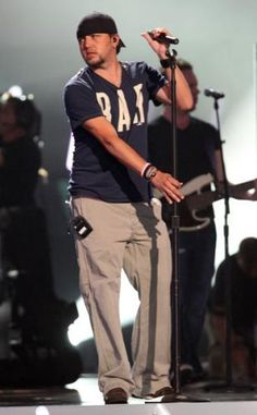 he looks good in anything, including sweat pants....