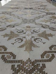 Tel kırma Palestinian Embroidery, Turkish Fashion, Embroidery Art, Blackwork, Needlepoint, Cross Stitch Patterns, Handmade, Stuff To Buy, Magnolia