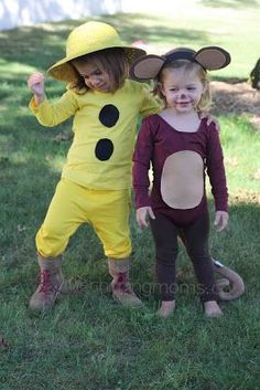 The Chirping Moms: DIY Halloween Costumes: Curious George & The Man With The Yellow Hat Easy Diy Costumes, Diy Halloween Costumes For Kids, Toddler Costumes, Family Halloween, Baby Costumes, Baby Halloween, Cool Costumes, Costume Ideas, Halloween Apples