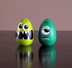 Funny Easter Egg Painted eggs cascarones decorados Easter Egg Decorating Ideas for 2019 - Hike n Dip Art D'oeuf, Funny Easter Eggs, Funny Eggs, Easter Egg Designs, Easter Ideas, Coloring Easter Eggs, Egg Coloring, Egg Art, Egg Decorating