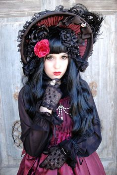 "Gothic Thread - ""/cgl/ - Cosplay & EGL"" is imageboard for the discussion of cosplay, elegant gothic lolita (EGL), and anime conventions. Dark Beauty, Gothic Beauty, Visual Kei, Lolita Mode, Lolita Style, Grunge, Gothic Mode, Steampunk, Victorian Goth"