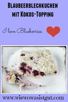Blaubeerblechkuchen mit Kokos-Topping…frische Blaubeeren in einem Kuchen sind einer meiner Favorits (es müssen aber wirklich frische Blaubeeren sein). Zusammen mit Buttermilch und Kokos-Topping ergibt der Blaubeerkuchen ein so leckeren Geschmack, dass diesem Kuchen keiner widerstehen kann ;-). Mit dem Thermomix sehr schnell zubereitet.