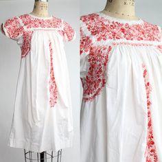 vintage embroidered Oaxacan dress // vintage bohemian a-line cotton dress / XS - S Vintage Bohemian, Boho, Tent Dress, Crochet Trim, Ethnic Fashion, Floral Embroidery, Cotton Dresses, Vintage Dresses, Tunic Tops