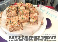 Rey's Krispies Treats Star Wars Themed Food, Star Wars Party Food, Star Wars Food, Star Wars Kids, Rice Crispy Treats, Krispie Treats, Rice Krispies, Star Wars Birthday, 4th Birthday