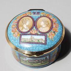 HALCYON DAYS ROUND ENAMEL BOX #78/500, QUEEN MOTHER COMMEMORATIVE