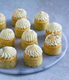 Cookie Desserts, Mini Cakes, Amazing Cakes, Sweet Recipes, Baking Recipes, Sweet Tooth, Bakery, Sweet Treats, Deserts