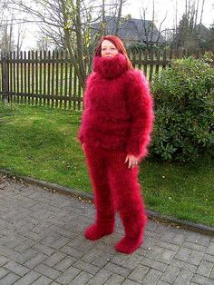 girls in mohair encasement bondage Fluffy Sweater, Mohair Sweater, Gros Pull Mohair, Angora, Knit Pants, Catsuit, Sweater Outfits, Knitting Socks, Mittens