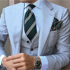 Morning Tie & Pocket Square by @exquisitetrimmings Shop The Collection on www.exquisitetrim... Use Code Danielre X 20 off Follow @exquisitetrimmings . . . . . der Blog für den Gentleman - www.thegentlemanclub.de/blog