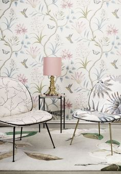 Romantic wallpaper with flower motifs. Scandinavian Interior Design, Luxury Interior Design, Modern Interior, Interior Ideas, Home Design, Cafe Interior, Home Fashion, Home Art, Designer