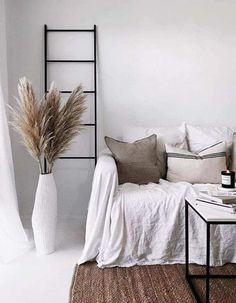 Grass Decor Ideas For The Home - fashion- Interior Design Interior Simple, Home Interior Design, Nordic Interior, Kitchen Interior, Vintage Home Decor, Diy Home Decor, Room Decor, Style At Home, Decoration Chic