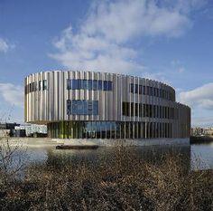 Bijlmer Parktheater in Amsterdam Zuidoost door Architectenbureau Paul de Ruiter