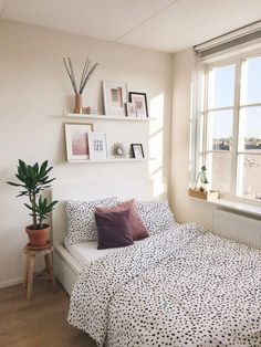 Cute Bedroom Ideas, Perfect for Small Spaces! - #bedroom #Cute #IDEAS #perfect #Small #Spaces Cute Bedroom Ideas, Room Ideas Bedroom, Bedroom Inspo, Interior Design Small Bedroom, Room Interior, Small Bedroom Inspiration, Bedroom Storage Ideas For Clothes, Bedroom Storage For Small Rooms, Art Deco Bedroom