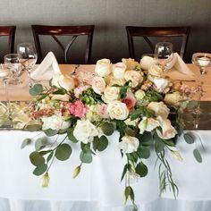 cool vancouver florist D + W head table at @grousemountain #headtable #garden #gardenwedding #dinaandwill #grousemountain #bride #engaged #bridetobe #weddingideas #sunflowerflorist #nofilterneeded #weddingflorist by @vancouverflower  #vancouverengagement #vancouverflorist #vancouverflorist #vancouverwedding #vancouverweddingdosanddonts