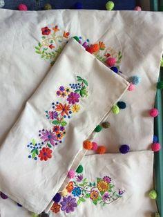 María Cielo: Las Dumas: fundas para almohadones bordadas
