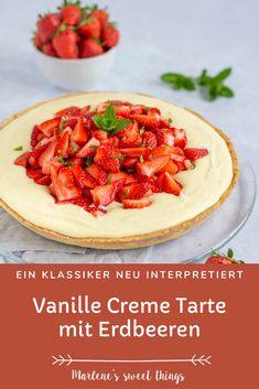 Die cremige Vanille-Pudding Tarte mit Erdbeeren und knusprigem Mürbeteig ist wunderbar und so lecker! Die Torte ist super einfach zuzubereiten. Ein perfektes Dessert für die Erdbeeren Zeit. die Familie wird es lieben! Quiche, Easy Peasy, Pudding, Hummus, Camembert Cheese, Good Food, Favorite Recipes, Eat, Ethnic Recipes