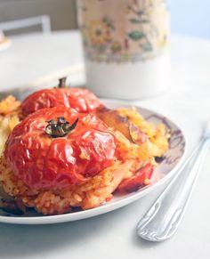 Pomodori col riso from Roman cuisine. Ricetta qui: http://dilycious.com/ricette/pomodori-col-riso-integrale-e-patate-al-forno/