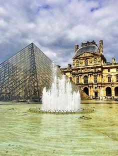 The Louvre Museum, Paris. Tips for planning a Paris Vacation. www.kevinandamanda.com #paris #travel #france by natalie-w