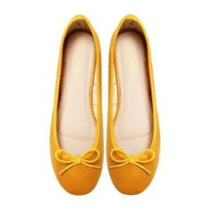 The brightly coloured Lemon Marchas are made with a fashionable bright yellow snake-texture polyurethane, finished off perfectly with Marcha printed lining and a nude polyurethane insole. Lemon Marchas are comfortable and a bold fashion statement. Ballerina Flats, Cute Woman, Ballerinas, Giveaways, Coupons, September, Pairs, Lady, Shoes