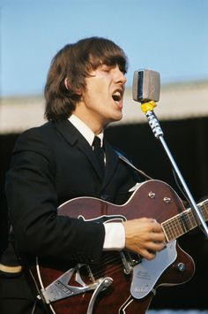 George with Gretsch Tennessean
