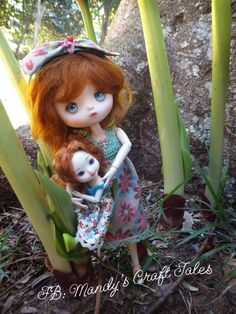 Fae (Amelia Thimble) and Willow (JerryBerry Berry Basic 2013)